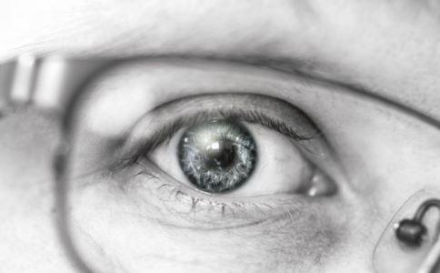 黄斑病变如何预防有效果 怎么预防黄斑病变 黄斑病变的预防方法