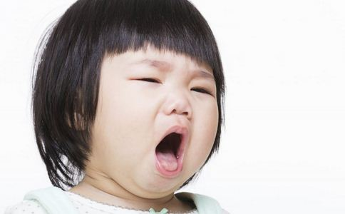 气管内灯泡致咳嗽不止 儿童气管异物如何处理 气管异物的处理方法