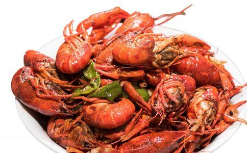 江苏现罕见蓝色小龙虾 江苏现蓝色小龙虾 小龙虾有什么营养