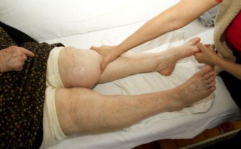 老年人腿疼怎么回事 老人如何缓解腿疼 缓解老人腿疼的方法