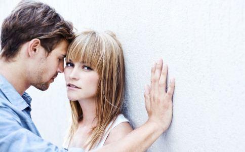 初恋男女难成夫妻的原因 女人如何抓住男人心 女人恋爱技巧有哪些
