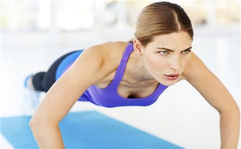 立卧撑的标准动作 立卧撑训练 立卧撑练哪里肌肉