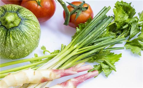 芹菜有什么营养 芹菜有什么功效 芹菜怎么做菜