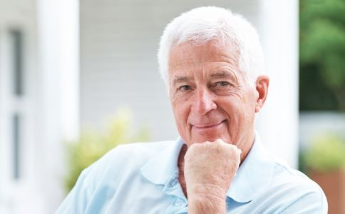 70岁老人还需要降血脂吗 高血脂的危害有哪些 老人高血脂怎么办