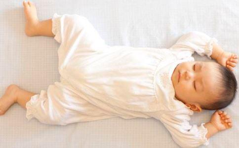 如何让宝宝吹空调不着凉 怎么吹空调好 吹空调要注意什么
