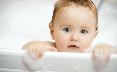 宝宝长痱子怎么办 宝宝长痱子怎么治疗 治疗痱子的偏方