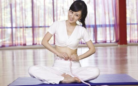 减掉小肚子的方法有哪些 跪坐可以减掉小肚子吗 瑜伽瘦小肚子的方法