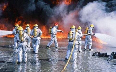 消防员救火中暑晕厥 中暑如何处理 中暑的处理方法