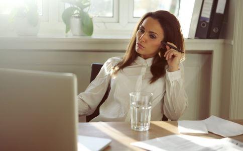 久坐有什么危害 怎么缓解久坐的危害 长期坐着有什么害处