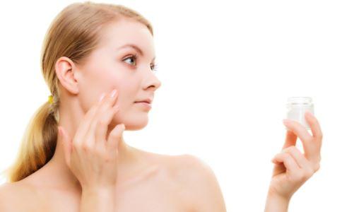 眼睛水肿怎么办 眼睛水肿如何消肿 眼睛水肿有哪些消肿方法