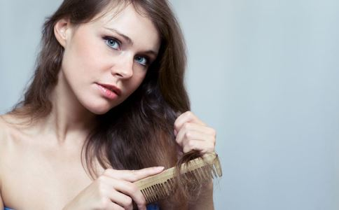 使用电脑会脱发吗 导致脱发的原因有哪些 哪些坏习惯会导致脱发