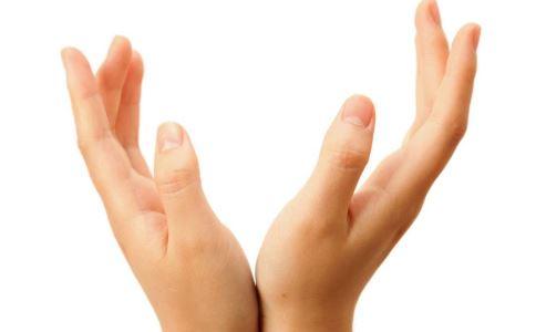左撇子有什么症状 左撇子的特点是什么 左撇子如何自测