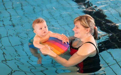 宝宝游泳前准备 宝宝夏季游泳 宝宝游泳前的准备