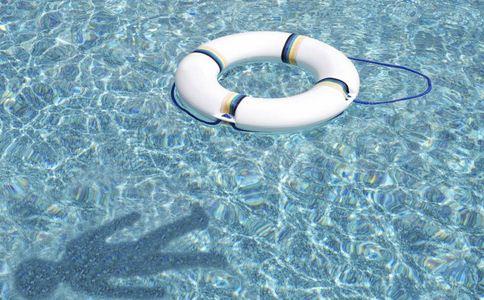 女子泳池拍水溺亡 溺水怎么办 溺水如何急救