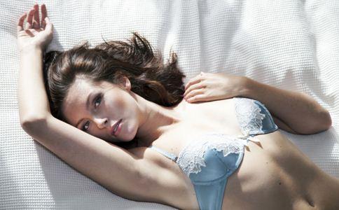 睡前如何排毒 夏季排毒的方法 夏季女性怎样排毒最有效