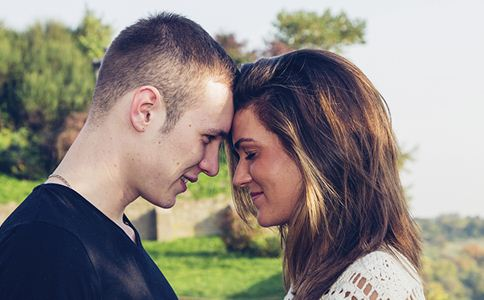 姐弟恋的好处有哪些 姐弟恋的坏处是什么 姐弟恋的爱情好吗