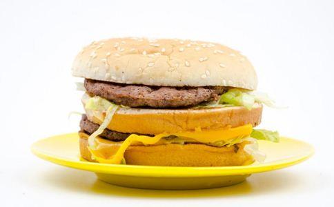 人们爱吃垃圾食品有哪些原因 舌头爱吃垃圾食品的原因 爱吃垃圾食品受什么因素影响