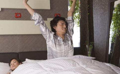 睡前小动作长高10厘米 睡前小动作治尿频 睡前小动作