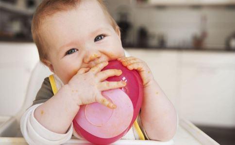 宝宝流鼻血是什么原因 夏季宝宝流鼻血的原因有哪些 宝宝流鼻血怎么办