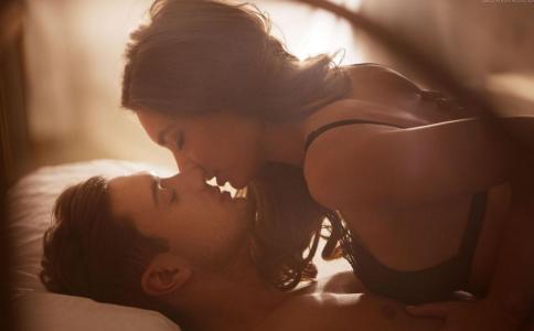 性生活中怎么提高精子质量 性生活中如何提高受孕的几率 男性不育如何把握做爱频率