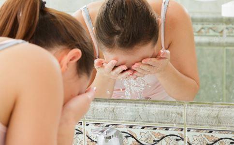 盐水洗鼻子可以治疗鼻炎吗 治疗鼻炎的偏方有哪些 哪些偏方可以治疗鼻炎