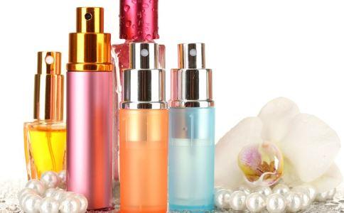 多久更换一次化妆品 更换化妆品有哪些注意事项 化妆品多久换一次