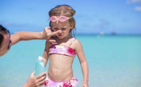 夏季怎么防晒才好 夏季防晒方法 每天都要涂防晒吗