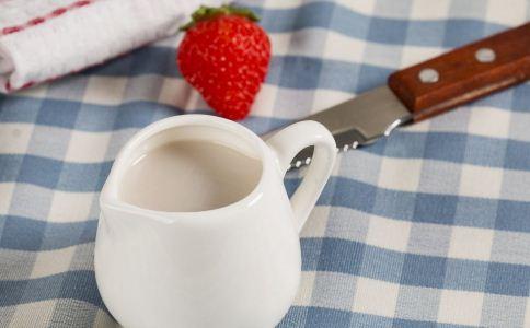 喝什么果汁能丰胸 吃什么食物能丰胸 丰胸的食物有哪些
