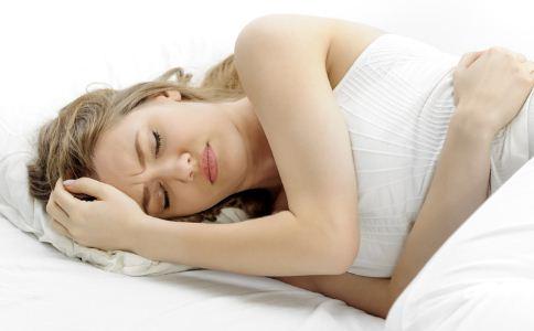 血淤型月经不调的症状 如何调理月经不调 月经不调的方法