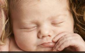 新生儿月子期间如何护理 这9点你做了吗