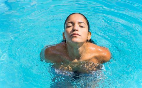 大学生游泳课溺亡 夏季游泳注意什么好 夏季游泳注意哪些事