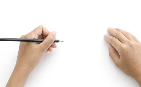 如何判断孩子是否是左撇子 左撇子如何诊断 左撇子需要纠正吗