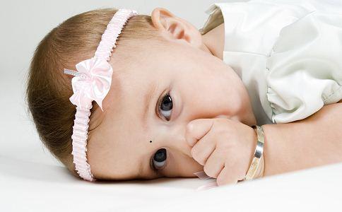 婴儿辅食添加月龄顺序 宝宝刚添加辅食吃什么 六月龄婴儿辅食谱