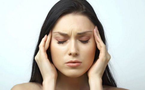 剧烈头痛是怎么回事 身体疼痛可能是哪些疾病 身体疼痛可能是什么原因