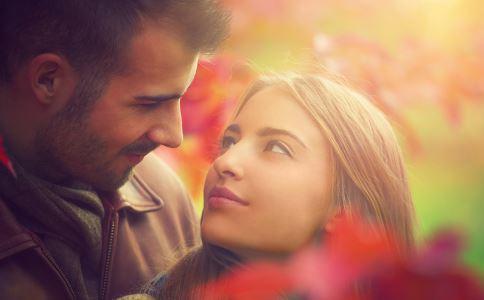 女人喜欢什么样的男人 什么样的男人受女人喜欢 怎样知道女人喜欢你
