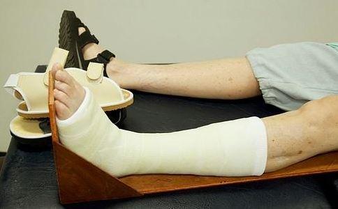 骨折后不能吃什么 骨折手术注意事项 骨折要做什么手术好
