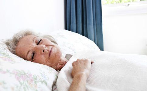 老人如何选睡衣 老人选睡衣的方法 哪种睡衣不能买