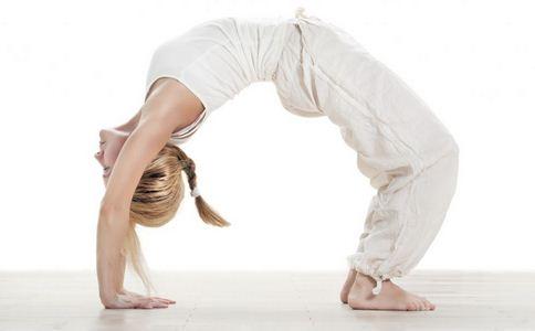 女生高考后疯狂健身减肥 高考后健身减肥 什么是横纹肌溶解症