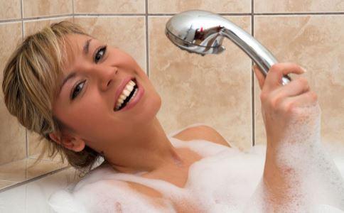 如何洗澡 洗澡要注意什么 什么时候不能洗澡