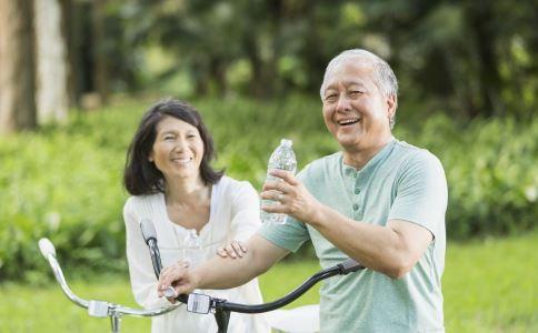高血压心脏病运动应注意什么 高血压心脏病患者如何运动 高血压心脏病患者怎么办