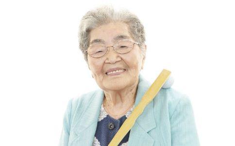 按摩哪里治疗老年疾病 老年疾病按摩哪里 怎么按摩治疗老年疾病