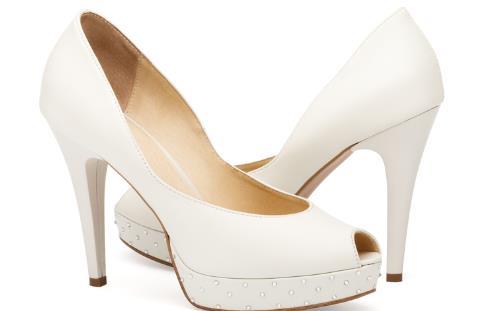 孕妇能穿凉鞋吗 孕妇穿凉鞋 孕妇穿什么凉鞋