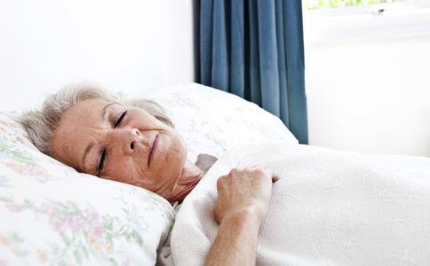 老人怎么做才能睡的香 8个助眠好方法推荐