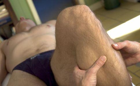 三伏天祛湿方法:温水泡脚多喝姜茶
