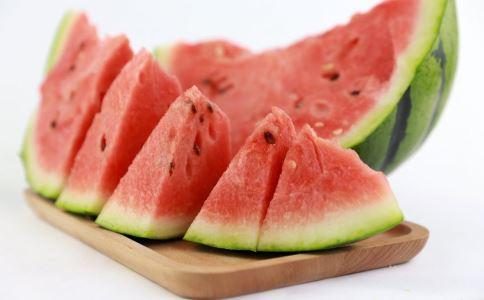 糖友可以吃西瓜吗 糖友吃西瓜要注意什么 糖友怎么吃西瓜最好