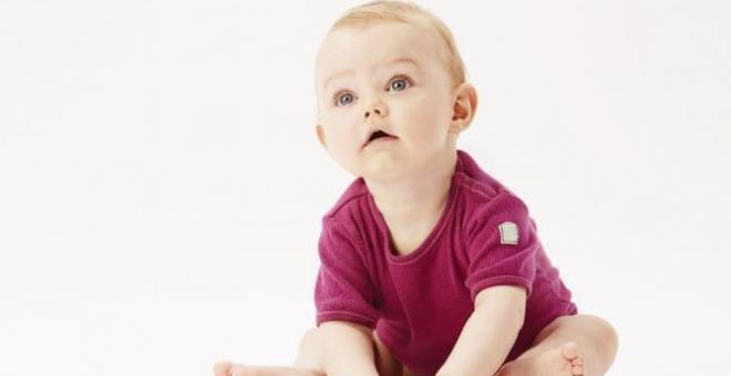 宝宝穿开裆裤好吗 夏季最好别给宝宝穿
