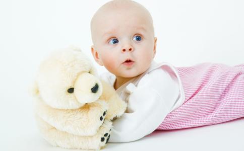 宝宝睡觉打鼾正常吗 宝宝睡觉打呼噜是什么原因 宝宝睡觉为什么会打呼噜
