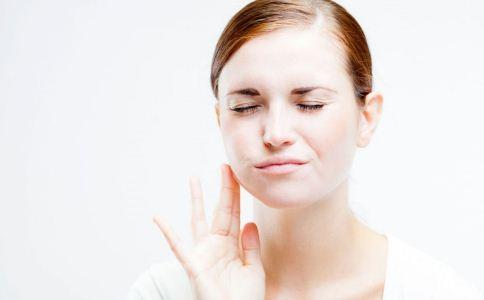 导致牙痛的原因 牙痛的病因 什么原因引起牙痛