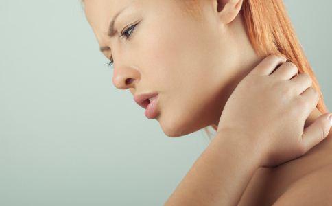 落枕几天能好 如何治疗落枕 落枕的治疗方法