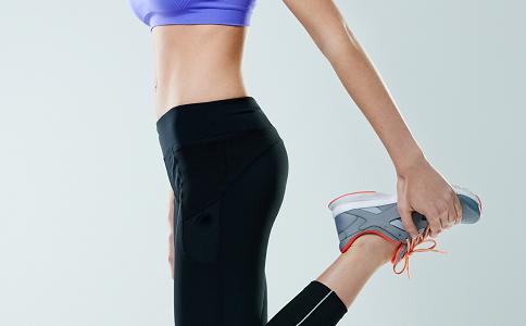 靠墙站立可以减肥吗 怎么站立可以减肥 单脚站立的减肥效果
